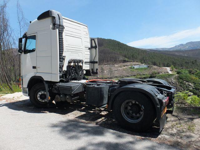 لدينا شاحنه فولفو fh12.460 موديل