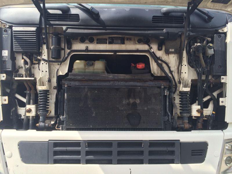 للبيع شاحنة فولفو fh12 موديل