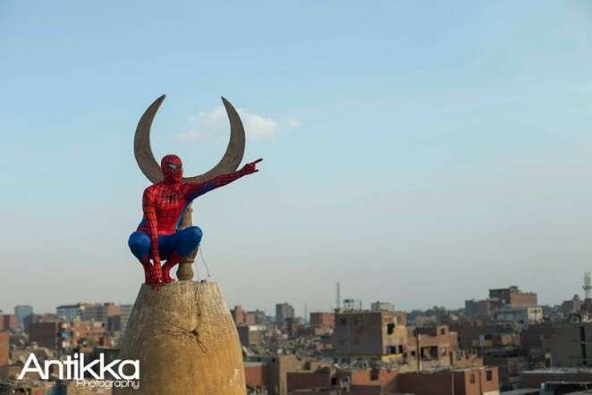 صورة spider man سبايدر مان اعلي ماذنة مسجد