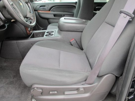 ������� �������� : Chevrolet Avalanche 4x4 LT   2012 �� ������