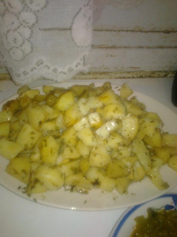بطاطا بلالعشاب في كيس الشواء من مطبخي 593953541.jpeg