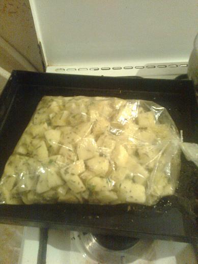 بطاطا بلالعشاب في كيس الشواء من مطبخي 784548892.jpeg