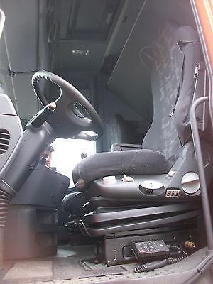 لدينا للبيع شاحنه مرسيدس اكتروس2546