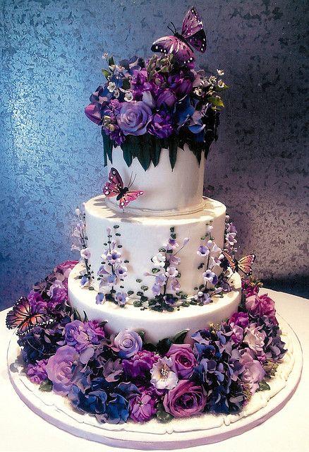 كعكات زفاف بألوان وتصميمات مميزة لزفاف لا مثيل  له حصري 2017 426937239.jpg
