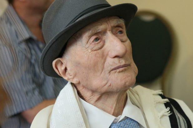 رحيل أكبر معمر في العالم عن 113 عاما